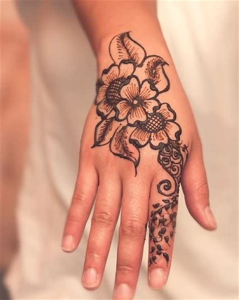 nice henna tattoos 34 henna tattoos