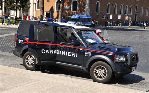 volante della polizia volante della polizia a roma italia fotografia editoriale