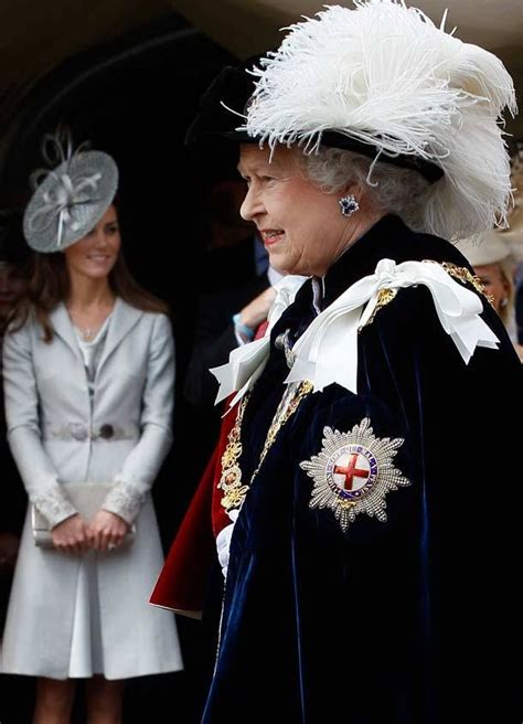 kate middleton receives royal order from queen elizabeth 91 best royal family images on pinterest british royals