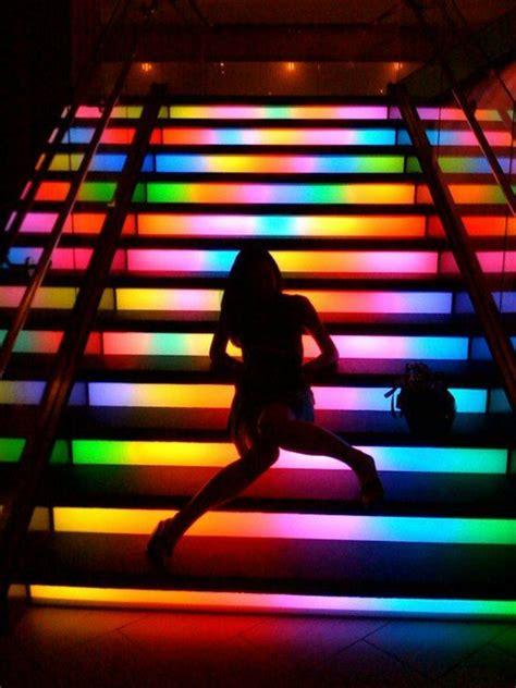 bunte beleuchtung moderne schicke treppen beleuchtung archzine net