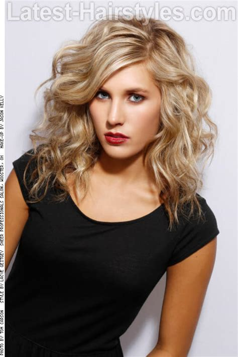 medium length beachy layers 35 flattering hairstyles for square faces in 2018