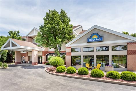 all comfort madison wi days inn suites madison 40 photos 12 reviews