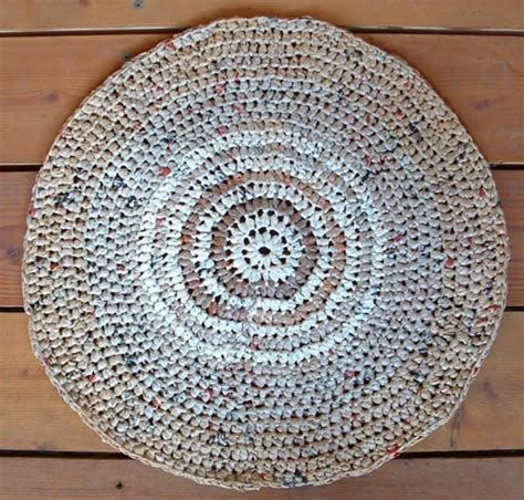 how to make a rug from plastic grocery bags 25 best ideas about recycled rugs on towel rug recycled mats and towels