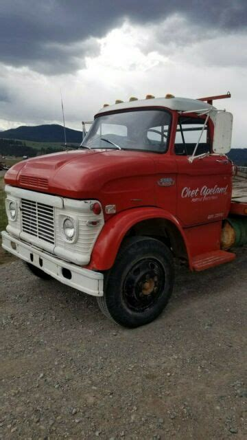 ford  cab  lcf truck  nice vintage