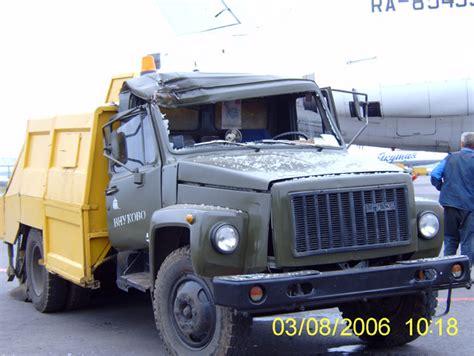 trucks crashing planes crashing into trucks russia page 3
