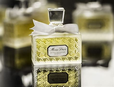 Miss De Original les extraits reinvents emblematic fragrances in