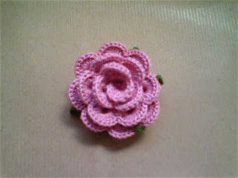 fiori all uncinetto come si fanno creare con le e la fantasia segnaposto rosa uncinetto