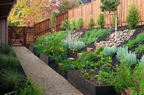 small sloped backyard back yard steep hillside landscaping ideas photos