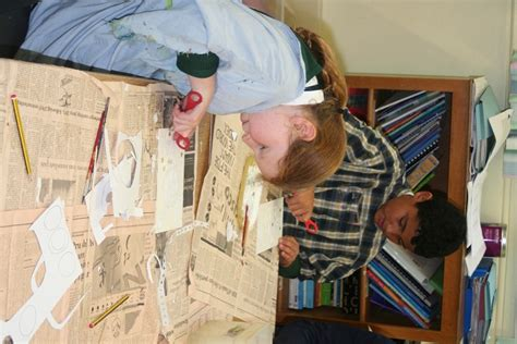 Big Salur Brown Gl53 visiting artist with year 5 leckhton primary school