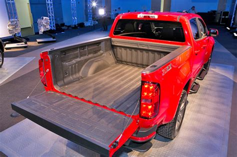 chevy colorado bed dimensions 2015 chevrolet colorado what gm got wrong pickuptrucks