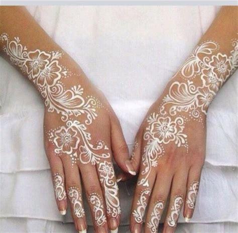 gold snowflakes pretty hands pretty feet pinterest henn 233 blanc beaut 233 forum mariages net