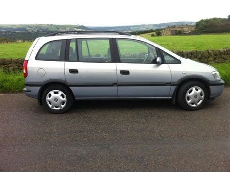 opel zafira 2002 used 2002 vauxhall zafira estate 1 6i club 5dr petrol for