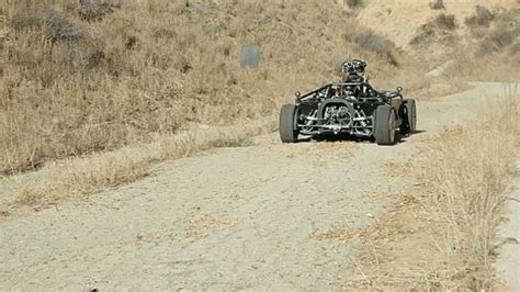 otomobilin kiligina girebilen muehendislik mucizesi