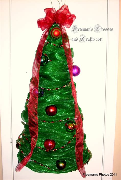 deco mesh christmas tree made by freeman s crosses and