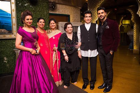 vivek dahiya mother name jeetendra and shobha kapoor with divyanka tripathi and