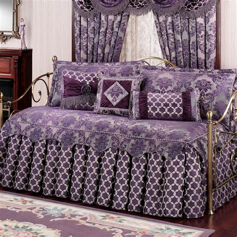 Bedroom Remarkable Ruffled Daybed Bedding Sets With Bedding For