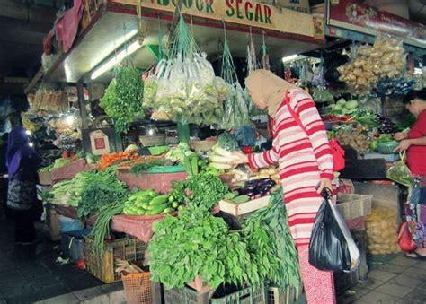dari kung ahmad rifai laris berjualan pasokan bbm langka harga sembako di sigi melonjak naik