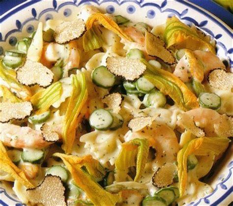 fiori di zucca ricetta light le ricette fantasia farfalle light con fiori di zucca e