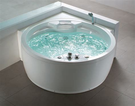 heated jacuzzi bathtub luxurious whirlpool computer controlled jacuzzi bath