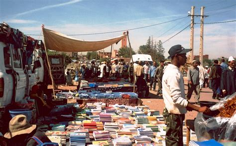 the market books file book market essaouira 2007 jpg wikimedia commons