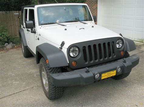 White Jeep Wrangler With Black Grill Black Grille On White Rubicon Part 2 Jk Forum The