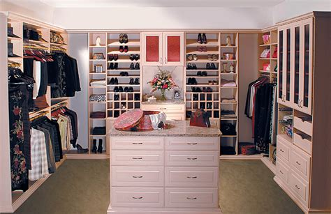 What Do I Need In Closet by Summer In I Want A Walk In Closet