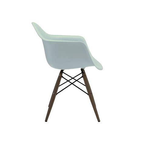 eames eiffel armchair lashmaniacs us beautiful eames eiffel armchair