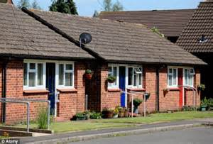 Bungalow Style Homes by Bring Back Bungalows Snobs Them Yet 1 In 3 Still