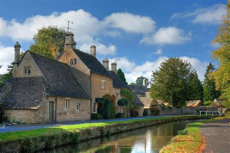 travel guide to bourton on the water visitor information