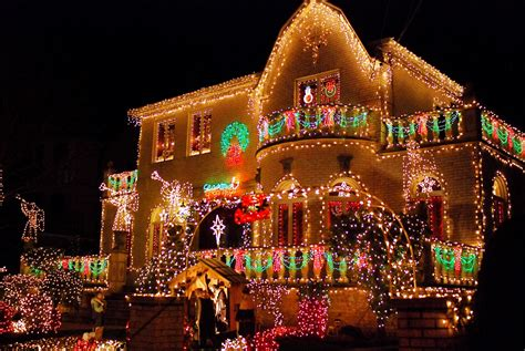 Nyc Nyc Brooklyn S Dyker Heights Home Christmas Light Lights Dyker Heights