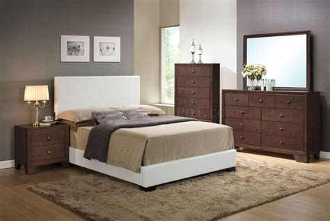 White Bedroom Furniture Ireland Ireland Bedroom 5pc Set By Acme W White Pu Upholstered Bed