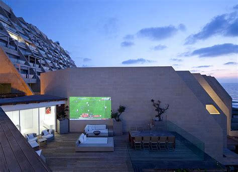 movie house modernist how to create an entertaining outdoor movie night