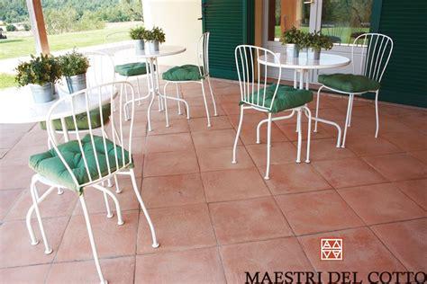 pavimenti in cotto per esterno pavimento in cotto rosato toscano cotto per esterno fatto