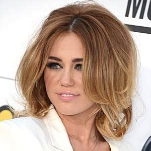 medium haircuts to increase volume big voluminous best miley cyrus hairstyles