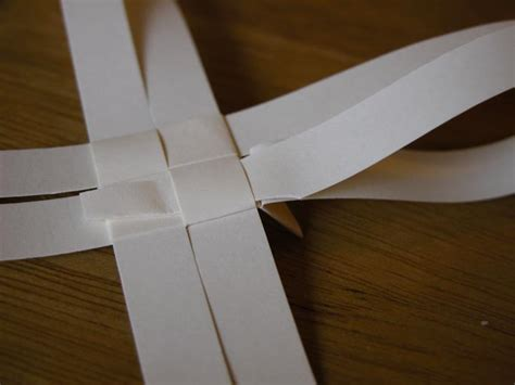 How To Make A Out Of Paper Strips - happy to make how to make a out of paper strips