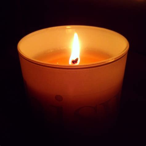 accendere una candela rituali 1 accendere una candela the corner