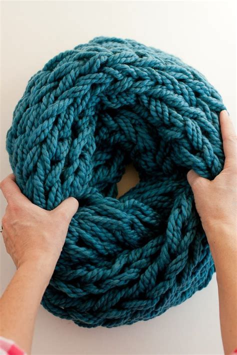 arm knitting scarf step by step arm knitting how to photo tutorial and pdf flax twine