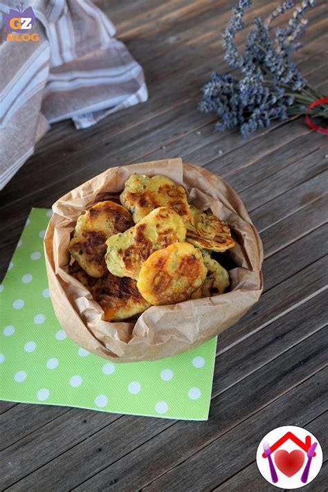 ricetta frittelle di fiori di zucca frittelle di fiori di zucca le ricette di mamma l 249