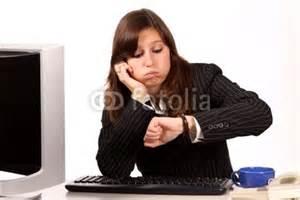 quot femme qui s ennuie au bureau quot photo libre de droits