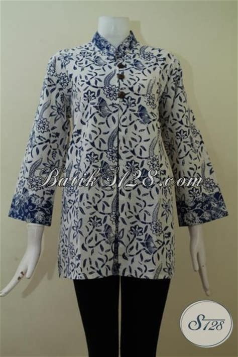 Baju Batik Wanita Gendut model baju atasan batik untuk wanita gemuk big size warna putih keren bls2257c