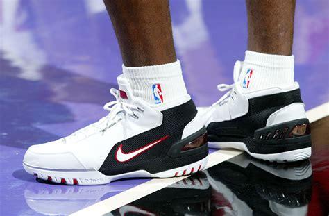 Sepatu Basket Nike Lebron 11 Soldier Wheat lebron s 30 best sneaker moments