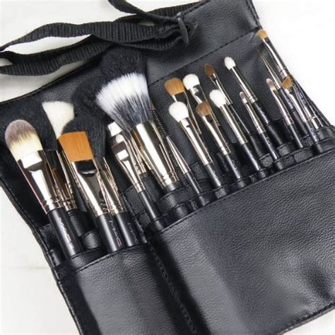 Makeup Brush Set Mac 29 best mac makeup brushes images on