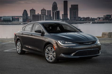 chrysler pictures chrysler 200 reviews research new used models motor trend