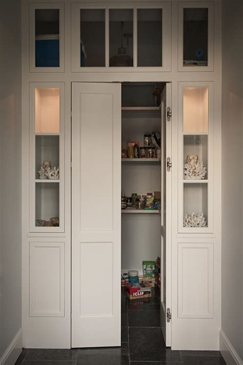 bi fold pantry doors design ideas