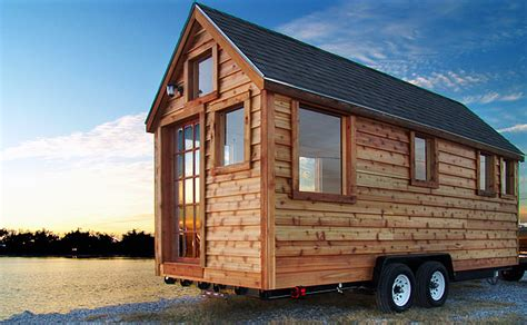 small portable house   small houses travel trailers