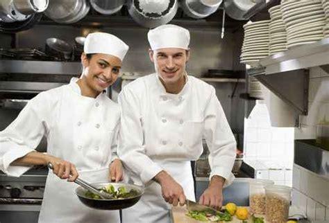 lavorare in germania come cameriere 3980 offerte di lavoro per l estate camerieri baristi