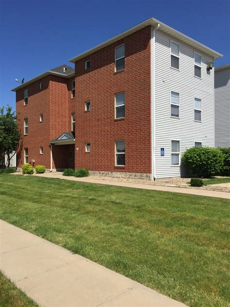 section 8 in cedar rapids iowa miller avenue estates rentals cedar rapids ia
