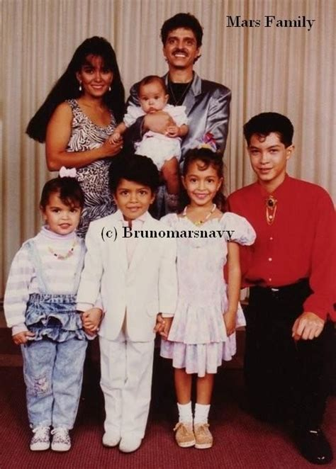 bruno mars biography family bruno mars family when they were young bruno mars