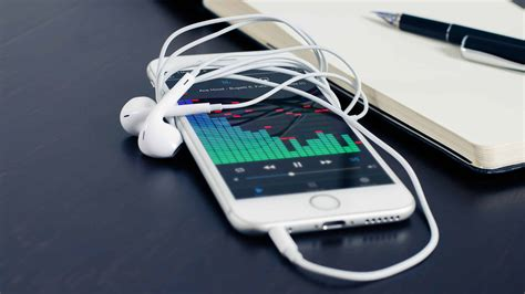 apple iphone 6s white and heaphones uhd 4k wallpaper pixelz