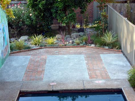 Inspiring Concrete And Brick Patio Design Ideas   Patio